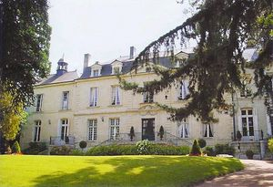 pays de la loire chateau de beaulieu exterior 300
